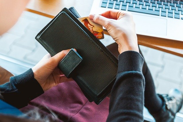 כיצד תבחרי את הארנק המושלם בשבילך